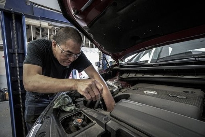 Comment bien choisir un dépanneur de voiture?