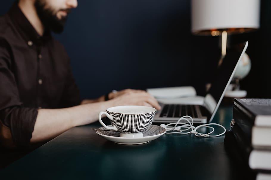 café au travail