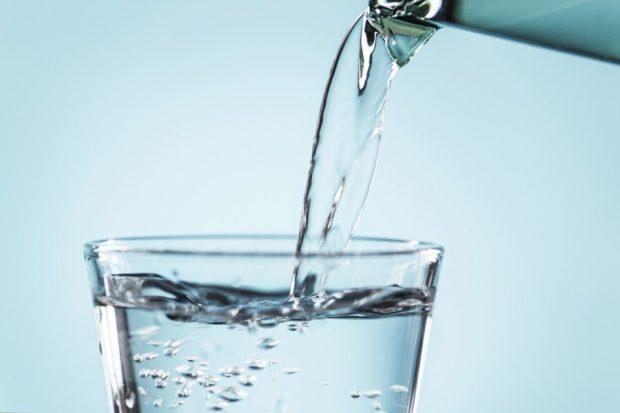 Pourquoi rester hydraté est-il essentiel pour les employés de bureau ?