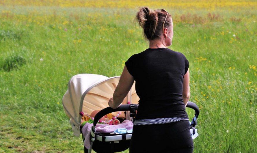 Des accessoires de poussette abordables qui facilitent la vie de chaque parent